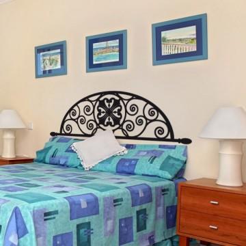 sticker tete de lit style baroque pas cher france stickers. Black Bedroom Furniture Sets. Home Design Ideas